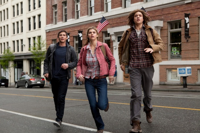 Logan-Lerman-Alexandra-Daddario-and-Douglas-Smith-in-new-Percy-Jackson-Sea-of-Monsters-still