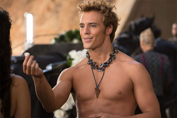catching-fire-finnick-odair-shirtless-picture
