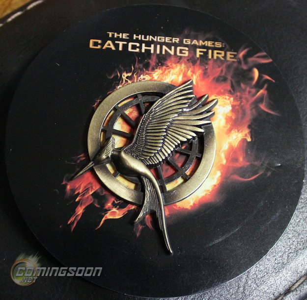 hunger-games-catching-fire-comic-con-pin