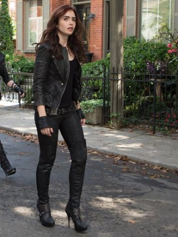 sev-lily-collins-fashion-quotes-stunt-heels-lgn