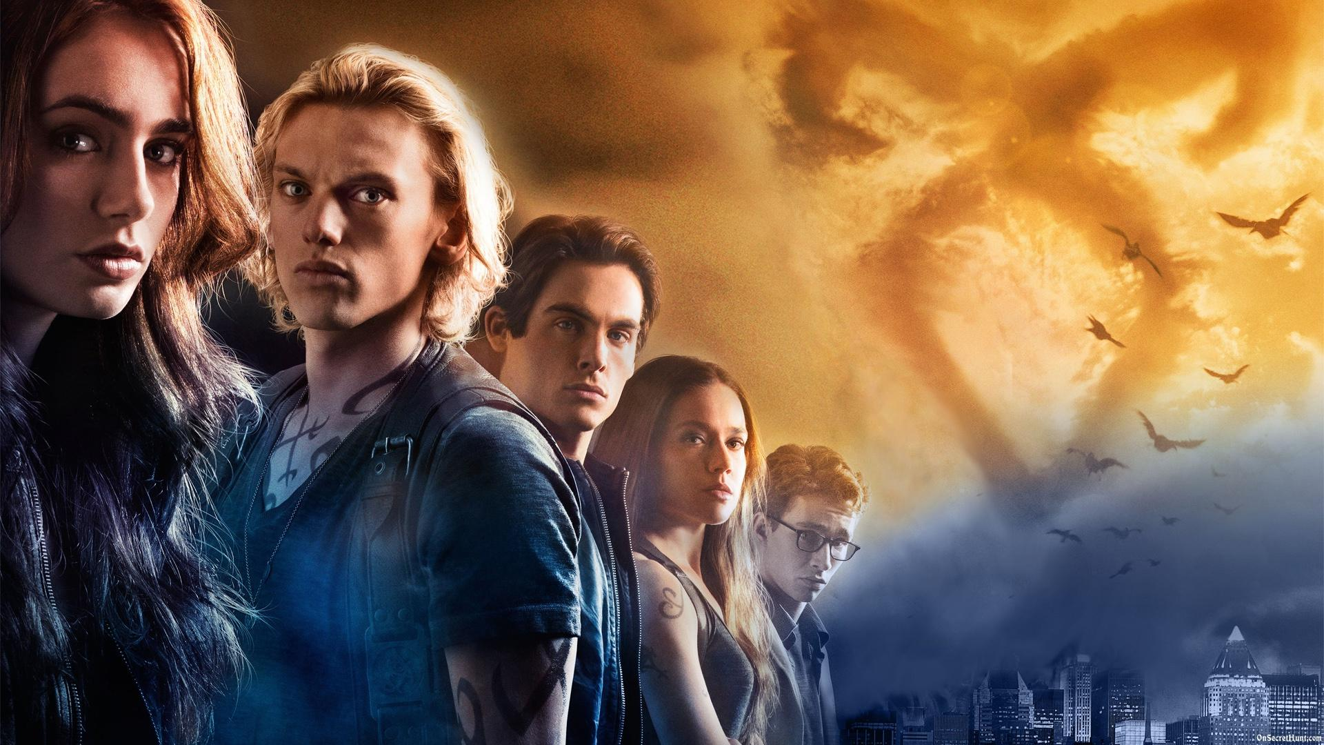 city of bones Jace herondale is considered the best shadowhunter of his time and a hero of the mortal and dark wars he is currently the co-head of the new york institute, alongside his girlfriend, clary fairchild  city of bones (first appearance) city of bones (graphic novel) the course of true love (and first dates) (mentioned only.